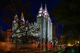 Visitors Enjoy The First Night Of Annual Christmas Light Display On Temple Square In Salt Lake City Utah 11 15 Sg3835